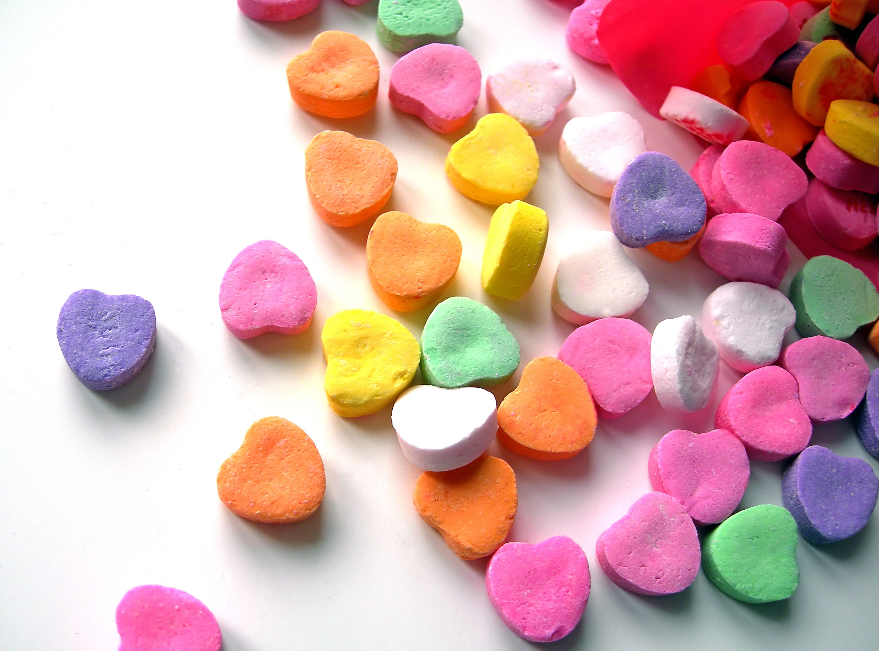 Kim-colorful_candy_hearts1